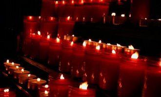 毛阿敏经典老歌《烛光里的妈妈》试听有感