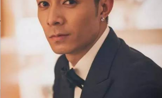 蔡卓妍/周柏豪歌曲《请你爱我》歌词 试听有感