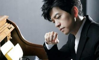 李健 – 中国著名流行男歌手
