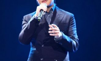 王铮亮歌曲《我想给你的》歌词 试听有感