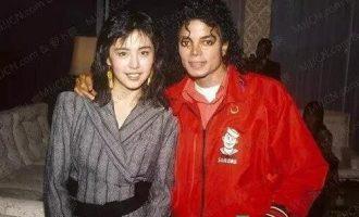 迈克尔·杰克逊歌曲《Black Or White》歌词 试听有感